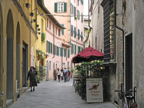 Hotels in Lucca Italy